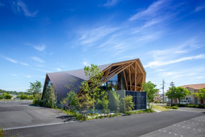 Uenoa Tops Japanese Office Building with Three-Dimensional Timber Roof