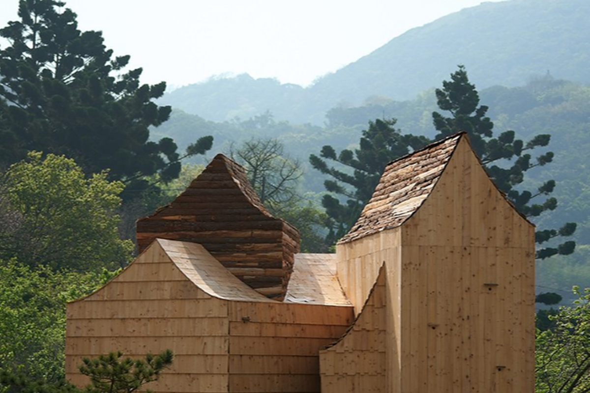 The boolean birdhouse in taipei comprises five stacked 'house-shaped' volumes